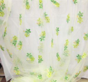 Органза с зелеными, салатными цветами