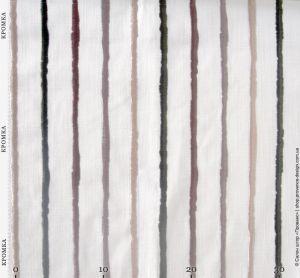 Ткань с неровными вышитыми полосами