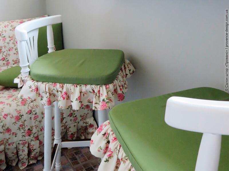 Сидушки с оборками на высокие стулья фото