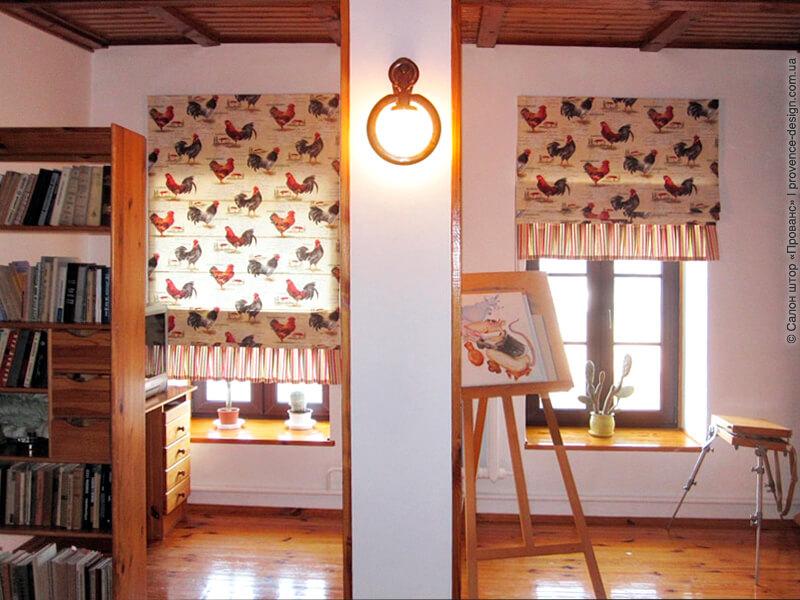 Римская штора с петухами и оборками фото