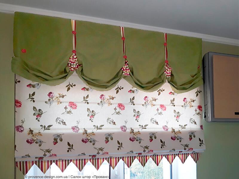 Римская штора с цветочками и декором на кухню в стиле Прованс фото