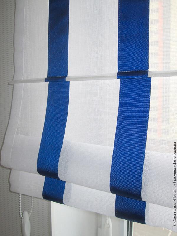 Декор из репсовой ленты на римских шторах фото