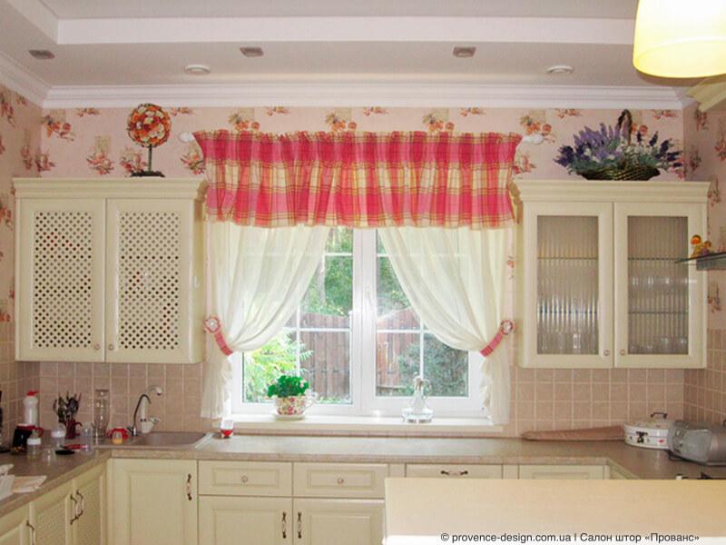 Оформление окна кухни в стиле Прованс фото