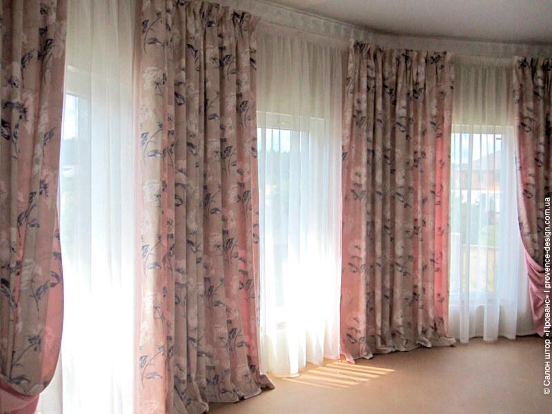 Шторы для спальни с подкладкой розового цвета фото