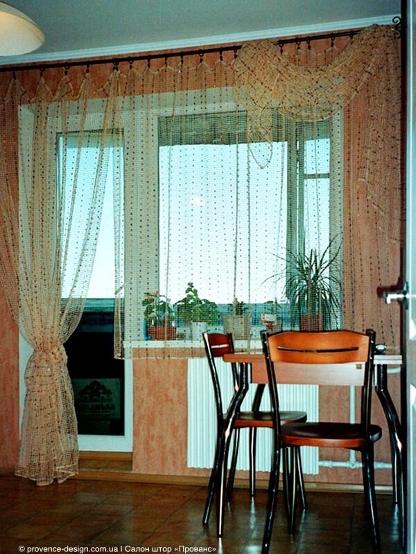 Короткий и длинный тюль на кухню с балконом фото