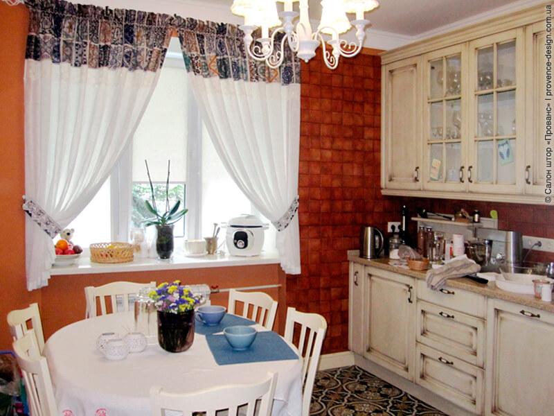 Комбинированные шторы на кухню фото