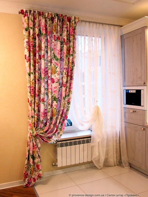 Длинные шторы на кухню в стиле Прованс фото