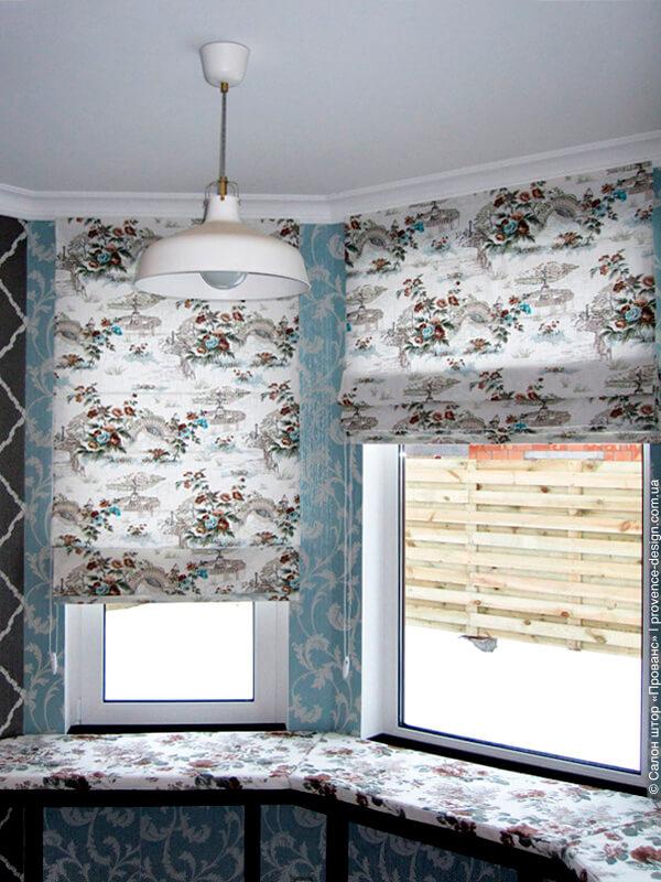 Римские шторы с рисунком  в стиле Прованс для маленькой кухни фото