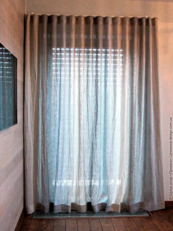 Лен серо-розовый с переходом цвета на шторе в современном стиле фото