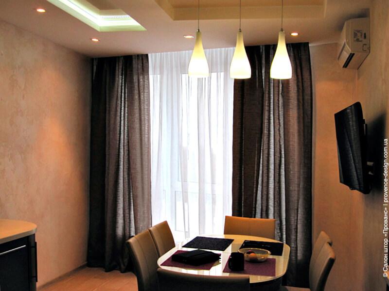 Коричневые шторы из легкой ткани в современном стиле фото