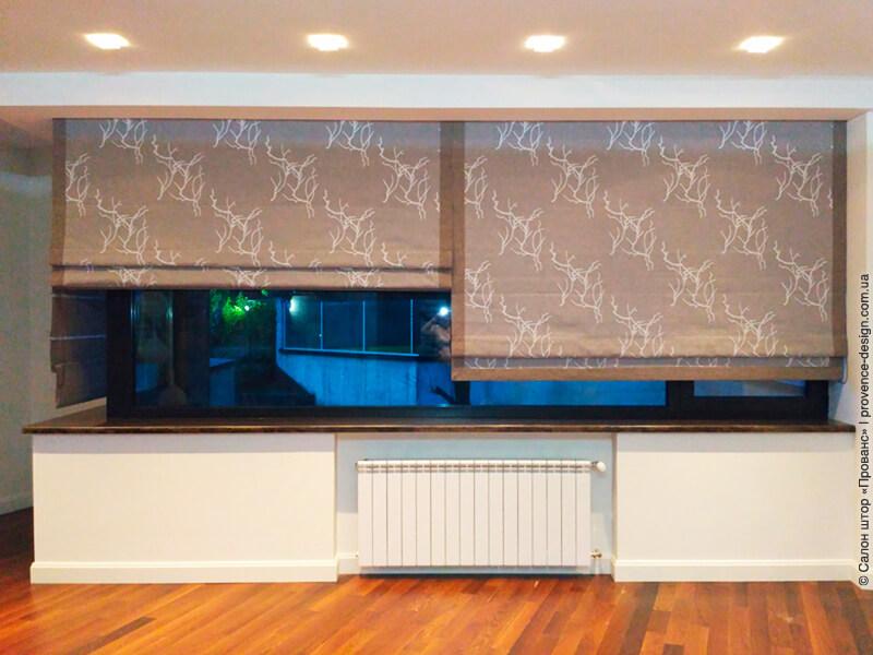 Римская штора из ткани в два слоя в современном стиле фото