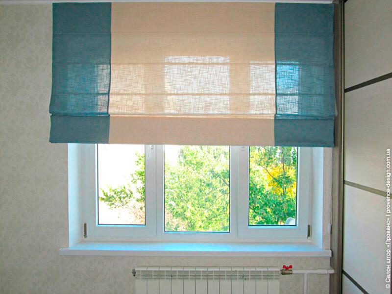 Римская штора из ткани двух цветов в современном стиле фото