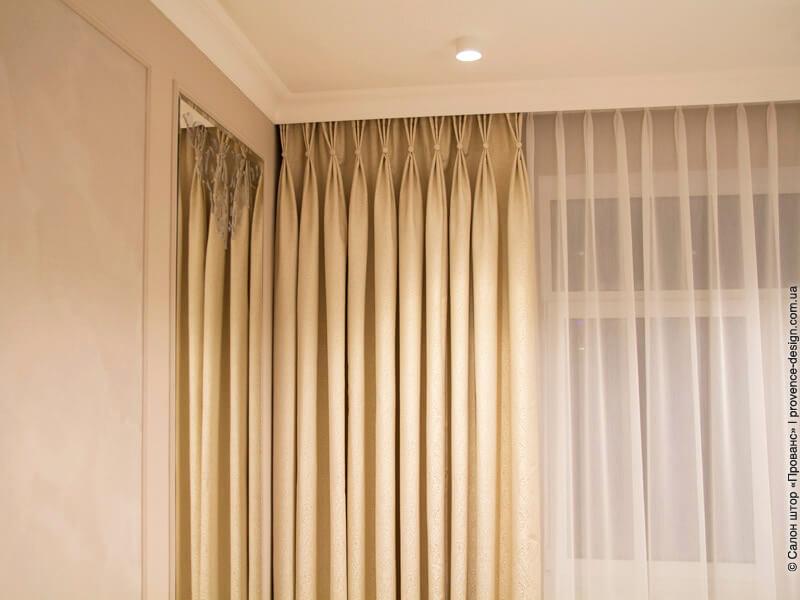 Фламандские складки на классических шторах фото