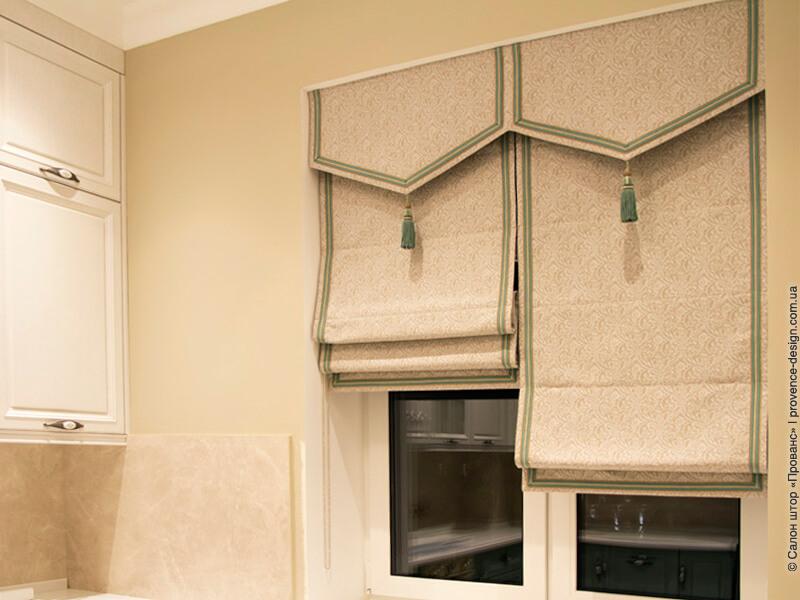 Римские шторы в классическом стиле с кантом фото